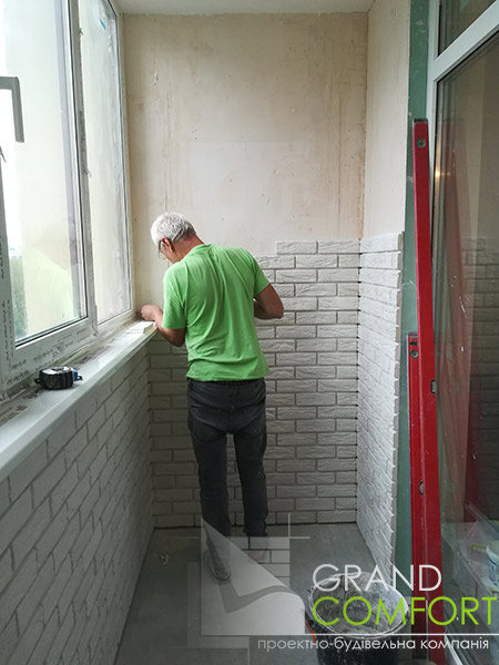 плиточные-работы-на-балконе